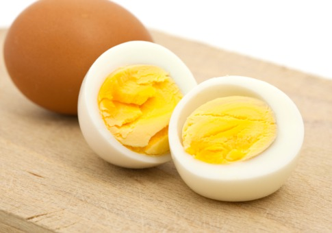16 Health Benefits of Eating Boiled Eggs (#1 Top Nutrient Sources)