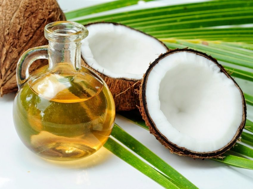 13 Amazing Health Benefits of Coconut Oil for Skin and Hair