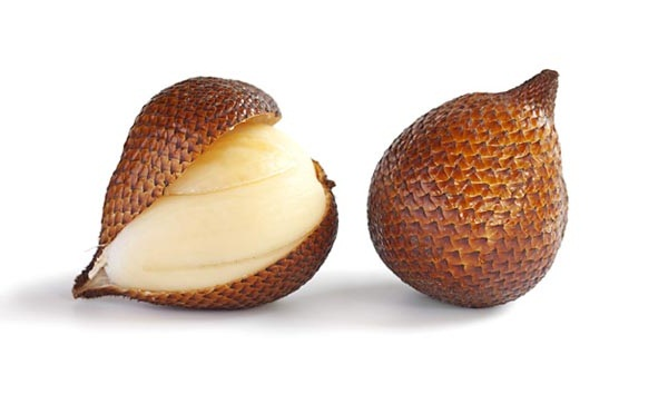 20 Scientific Health Benefits of Snake Fruit (No. 9 is Miracolous)