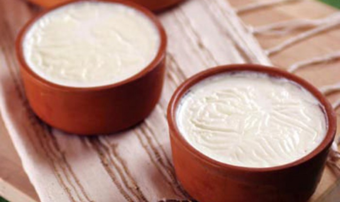 17 Benefits of Curd for Beauty – Expert Beauty Tips