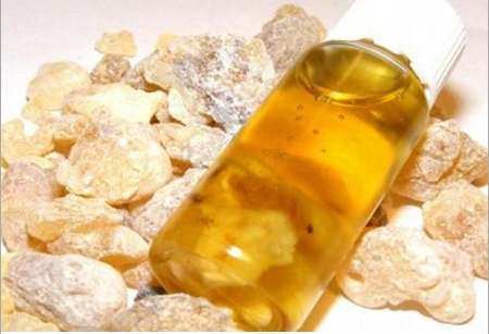 Top 12 Health Benefits of Myrrh Oil (Story from the Bible)